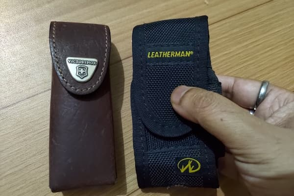 SwissTool Spirit and Leatherman Wave carrying sheaths